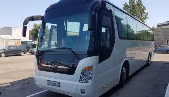 Аренда автобуса с водителем в СПб / hyundai